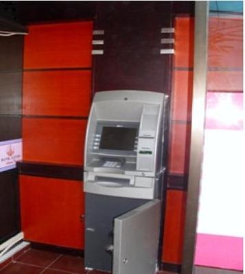 MESIN ATM BANK JATIM MALANG